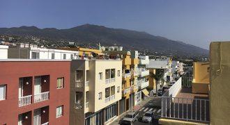 Ático con amplia terraza, vistas panorámicas