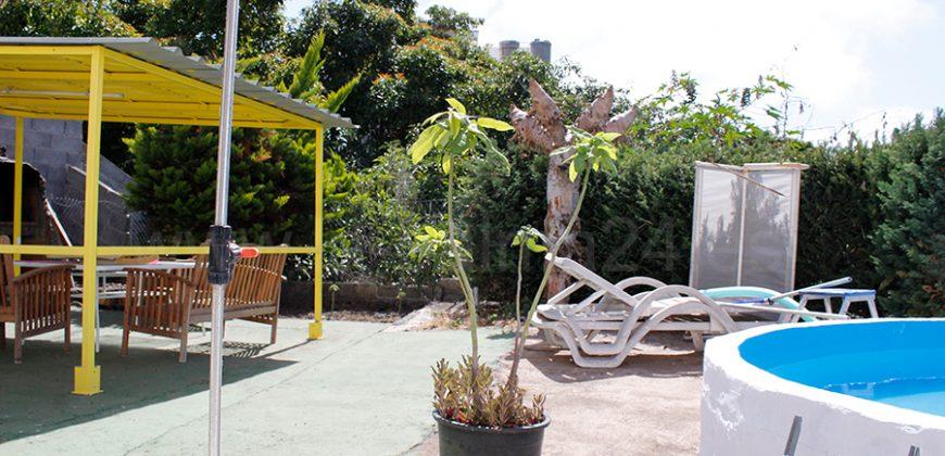 Casa con jardín en Los Llanos