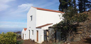 Casa + 2 Bodegas